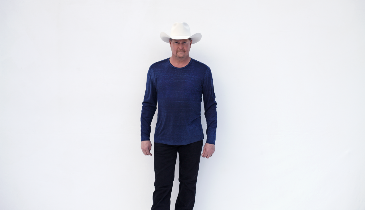 Tracy Lawrence Continues His Mission to Help The Homeless