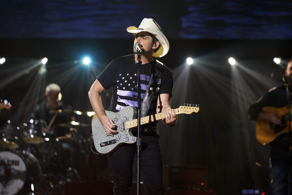 Brad Paisley Picks Up the Tab for Boozy Viral Demonstration
