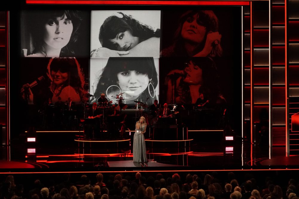See Carrie Underwood Tribute Linda Ronstadt at Kennedy Center Honors