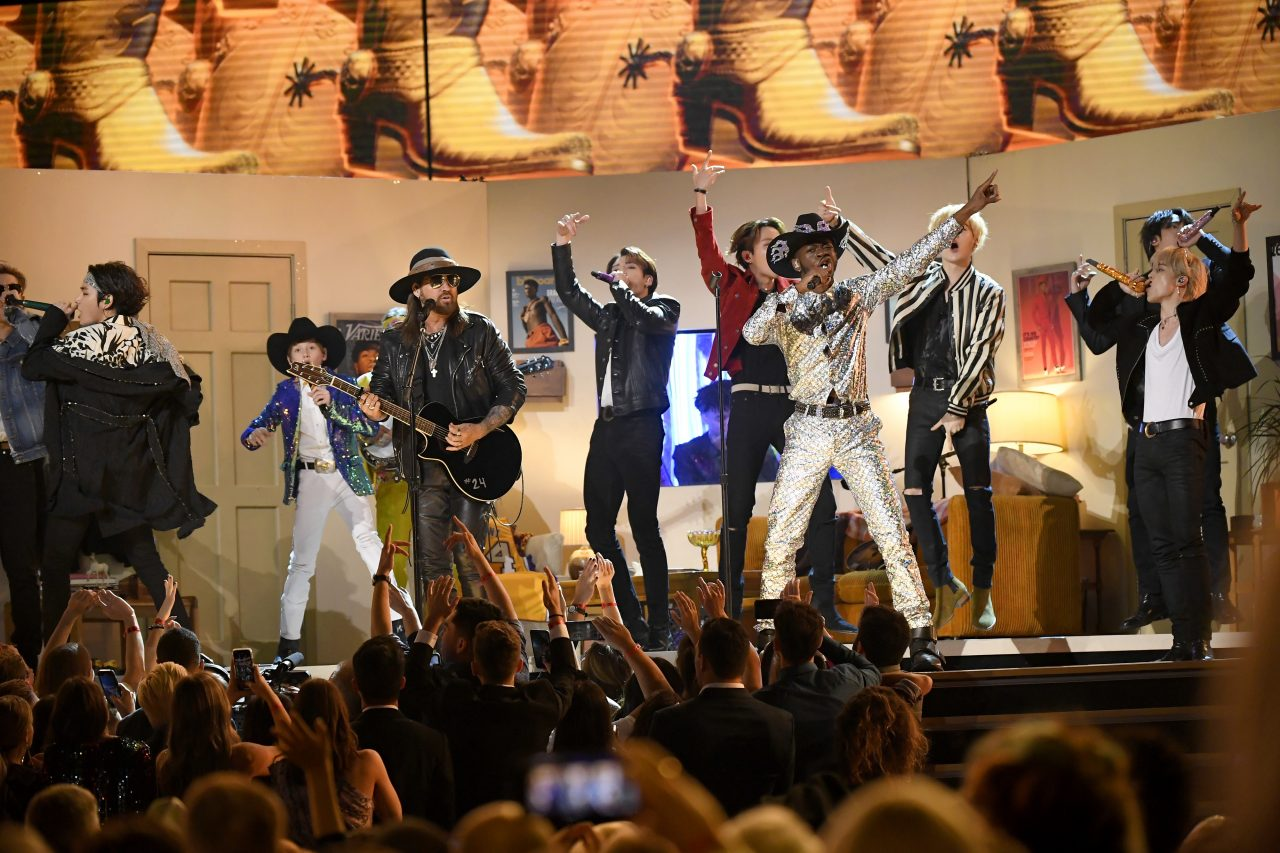 Lil Nas X, Billy Ray Cyrus + More Rock 'Old Town Road' at the 2020 Grammy Awards