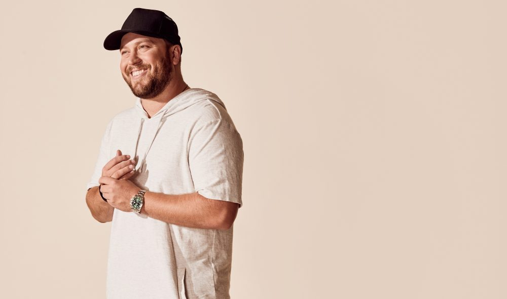 Mitchell Tenpenny Prays for Romantic Salvation in 'Can't Go to Church'