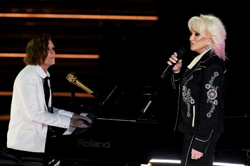 Tanya Tucker & Brandi Carlile Deliver Poignant 'Bring My Flowers Now' at 2020 Grammy Awards