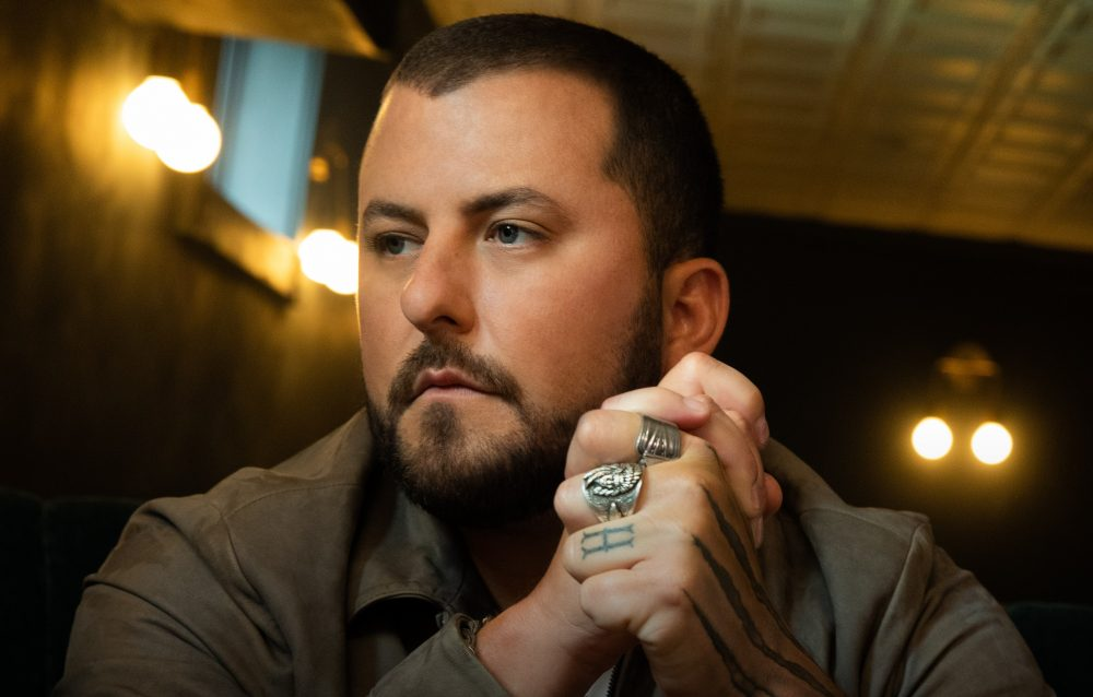 Tyler Farr Drops Into Low Gear With 'Only Truck In Town'