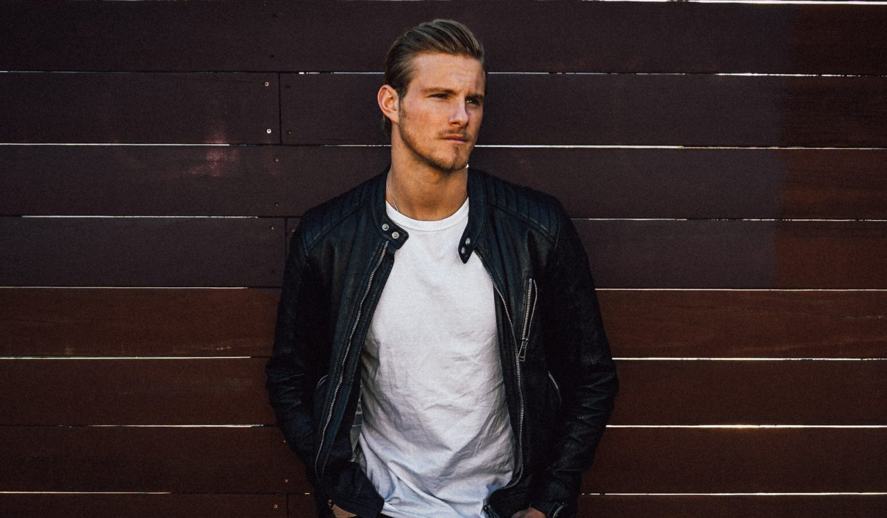 'Vikings' Star Alexander Ludwig Premieres 'Let Me Be Your Whiskey' Video