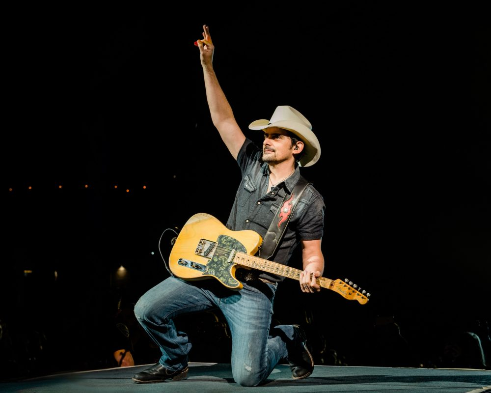 Brad Paisley Gifts New Guitar to Nashville Bombing Victim