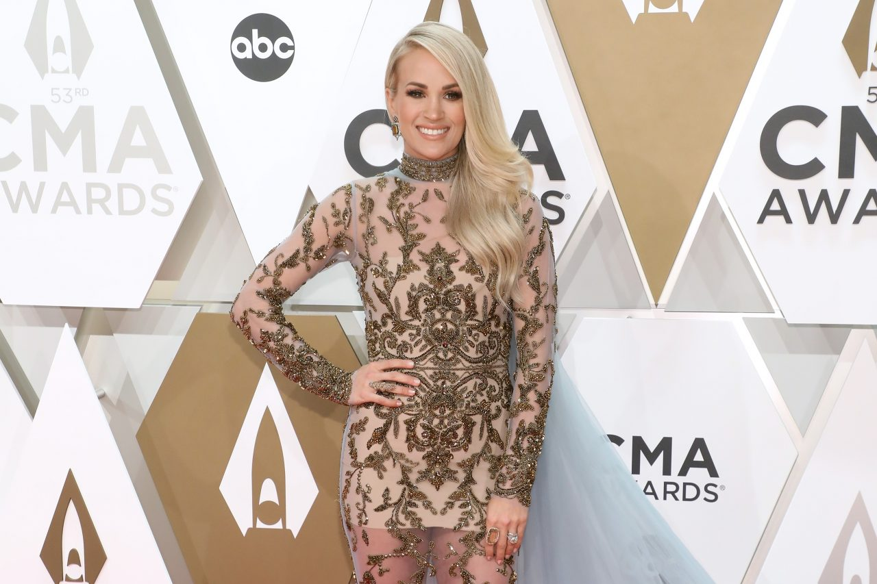 Carrie Underwood Embraces Winter Weather During Ski Trip to Vail