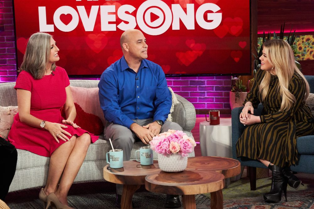 Kelly Clarkson Surprises Route 91 Hero with 'Ambush Love Song'