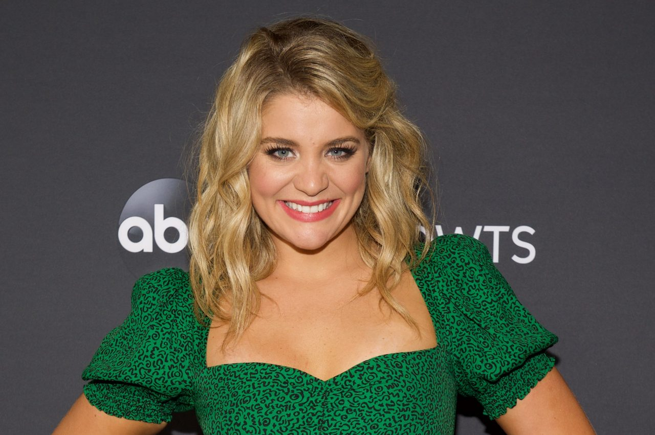 Lauren Alaina Has Full-Circle Moment With Fan on That Girl Was Me Tour