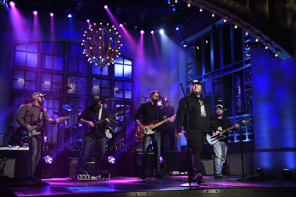 Watch Luke Combs' Rocking 'Saturday Night Live' Debut
