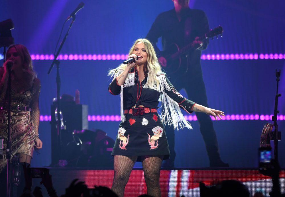 Miranda Lambert Leads High School Choir in 'Tin Man' Performance