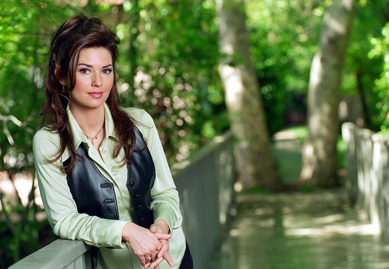 25 Years Later: Shania Twain's 'The Woman In Me'