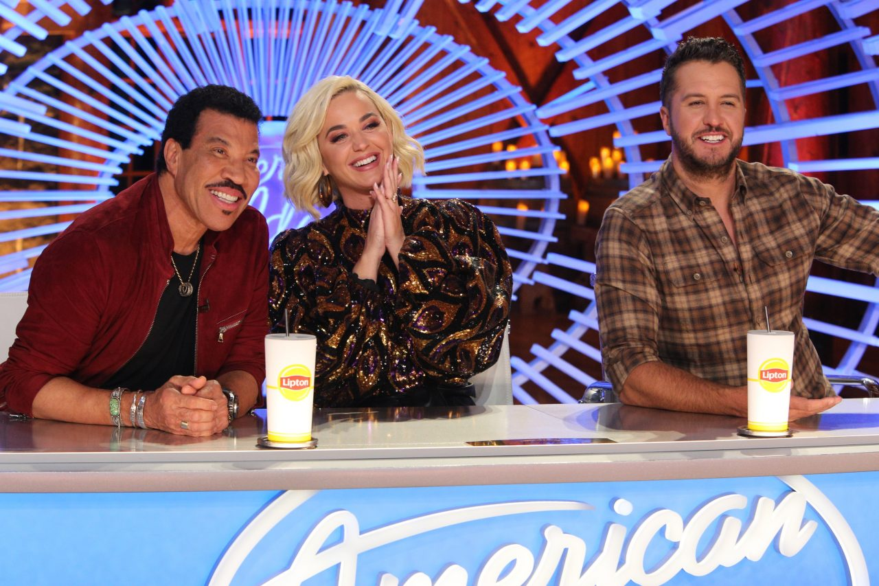 Watch the 'American Idol' Judges Let Loose Between Takes