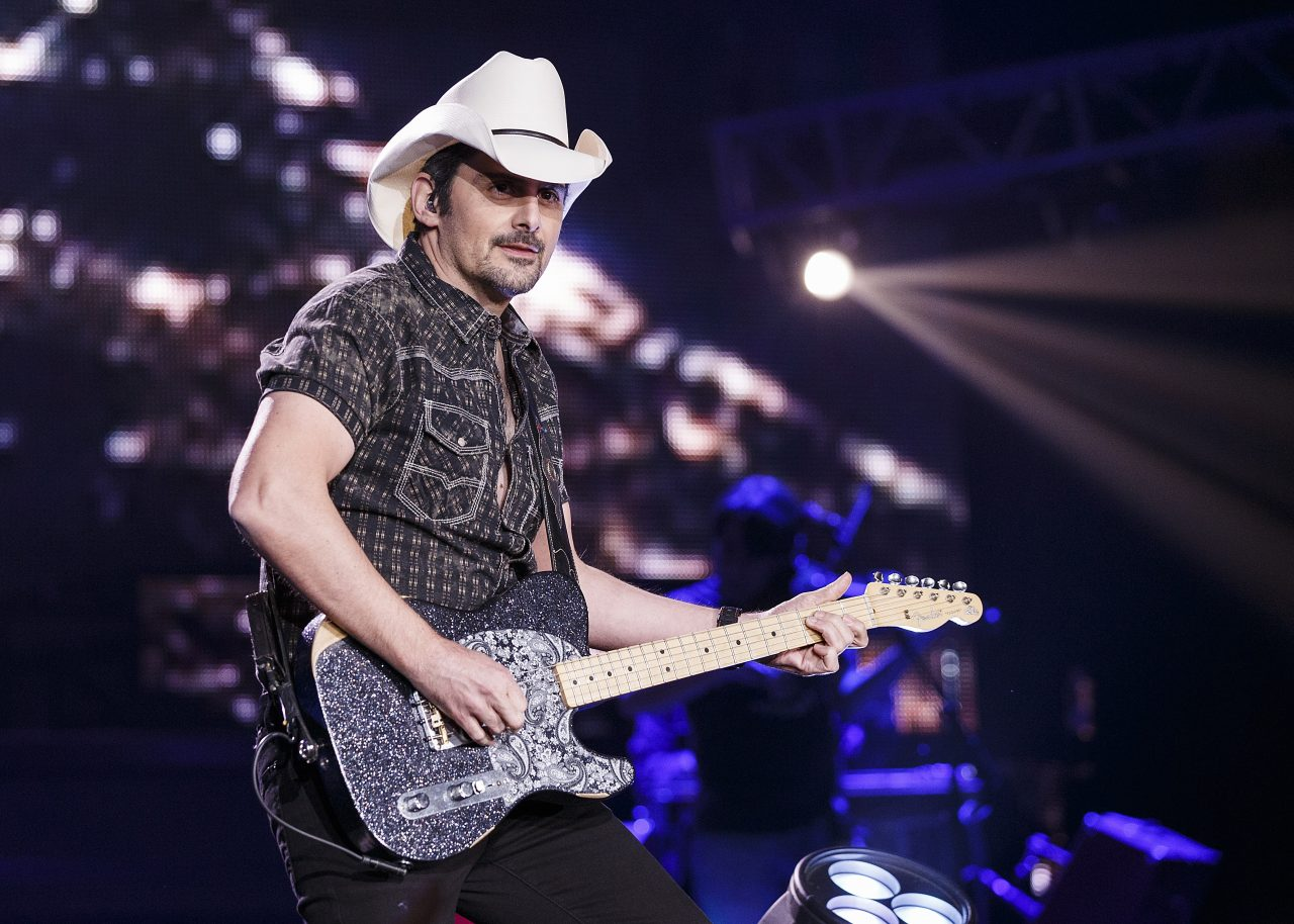 Brad Paisley Goes Live at the Drive-in
