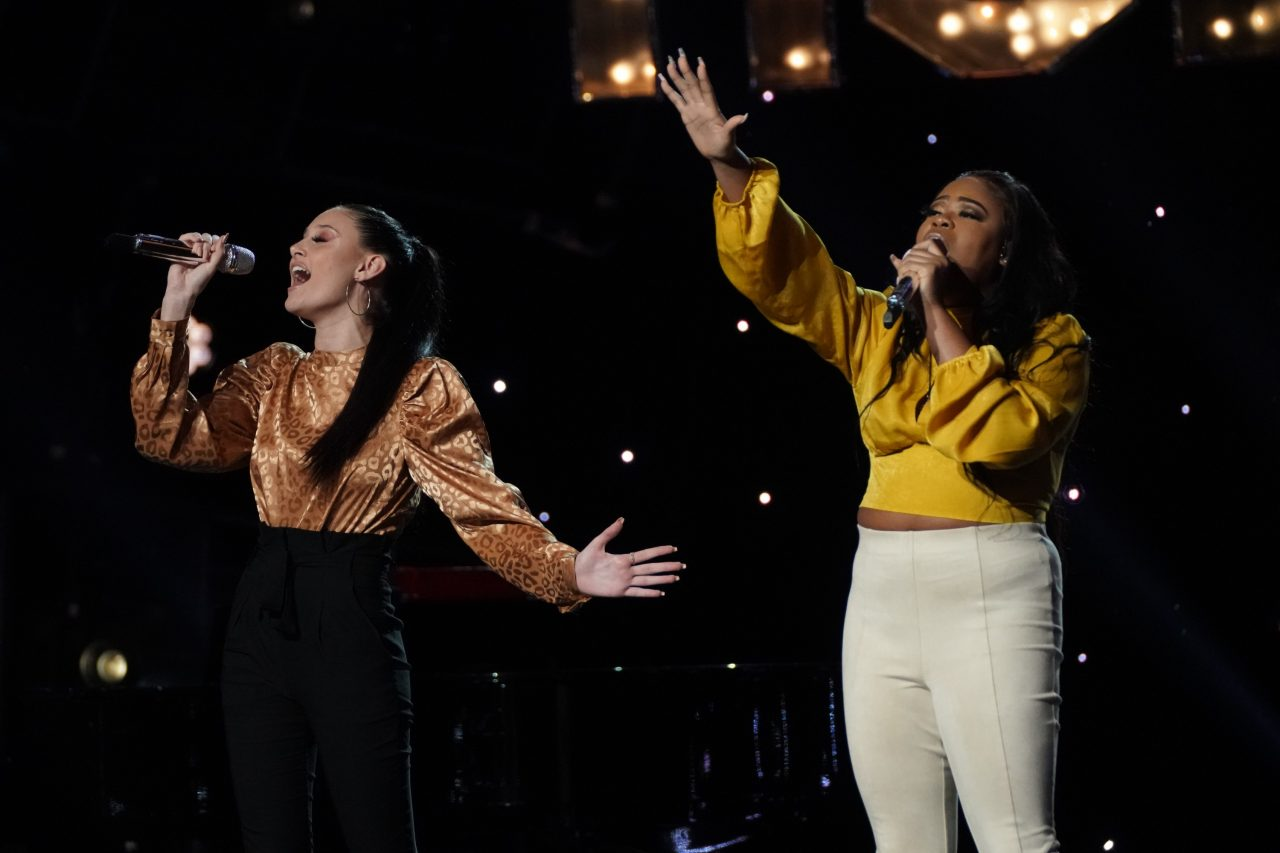 American Idol Recap: Cyniah Elise and Makayla Phillips Duet Earns Standing Ovation From Judges