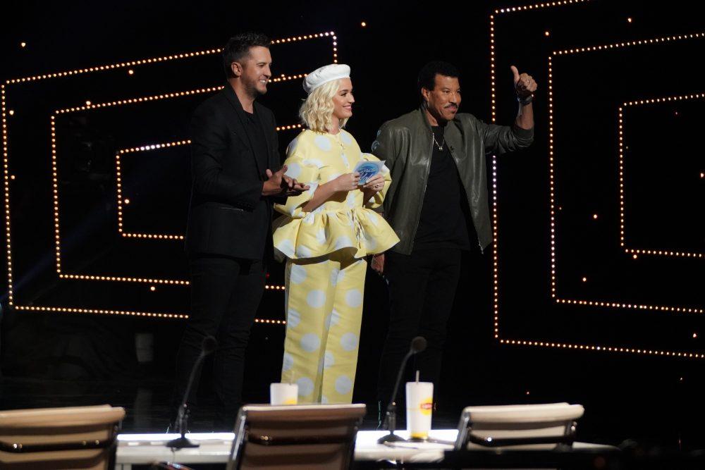American Idol Recap: Hollywood Week Begins With Surprise Twist