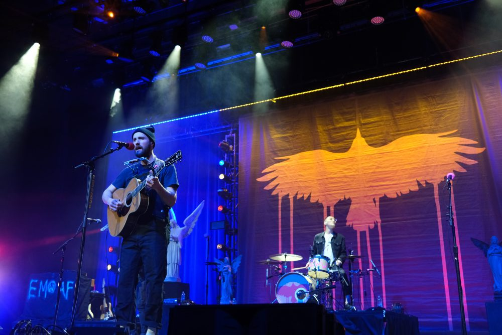 Ruston Kelly Serenades a Brokenhearted Nashville in Ryman Debut