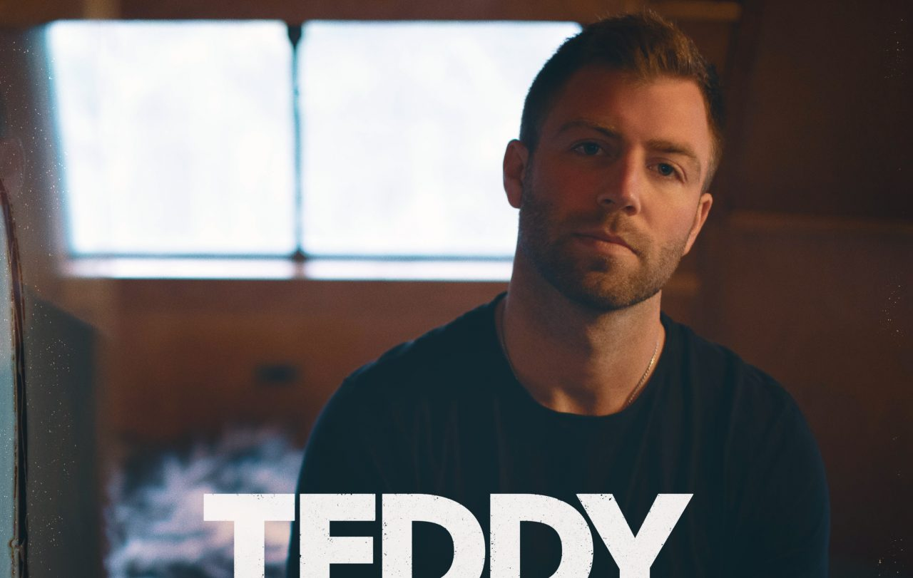 Teddy Robb Continues To Carve Out His Own Lane With 'Me On You'