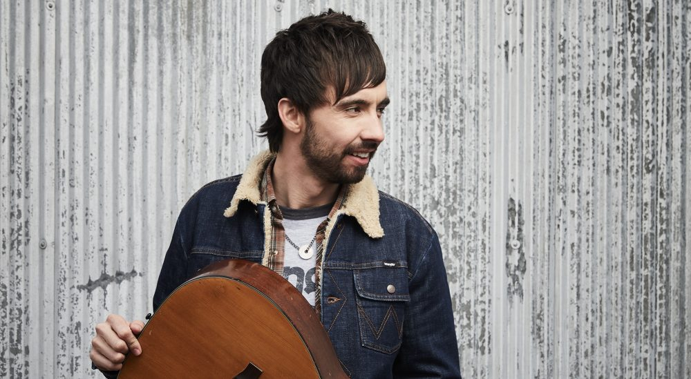 Mo Pitney Celebrates Lasting Love With 'Right Now With You'