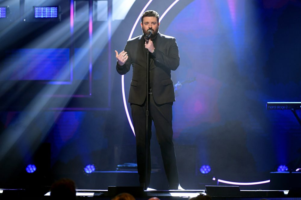 Chris Young Looks to the Heavens With 'If That Ain't God'