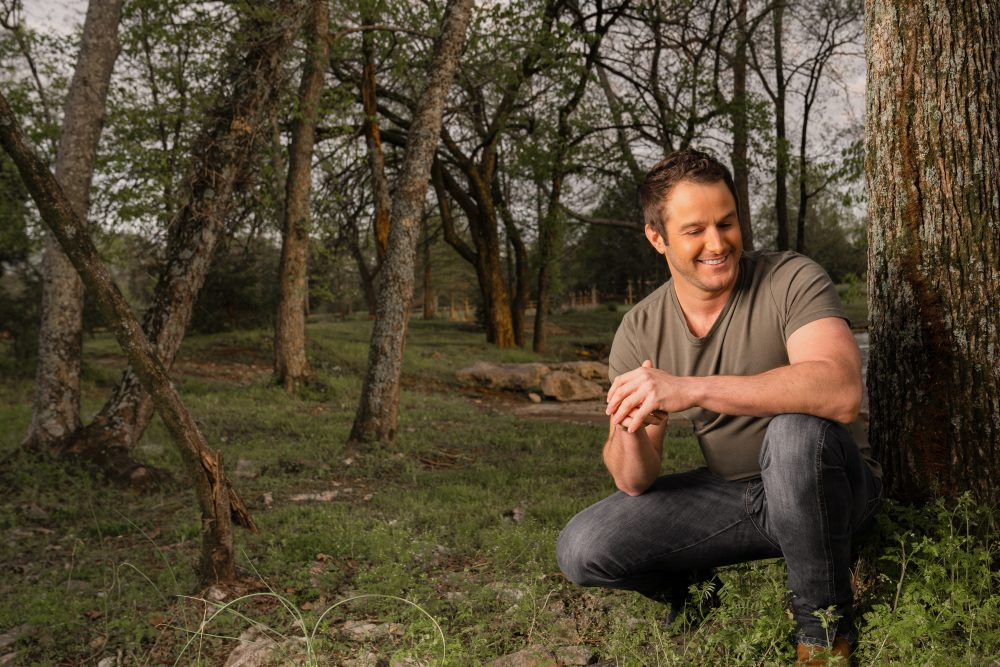 Easton Corbin Returns to His Roots with New Single, 'Turn Up'