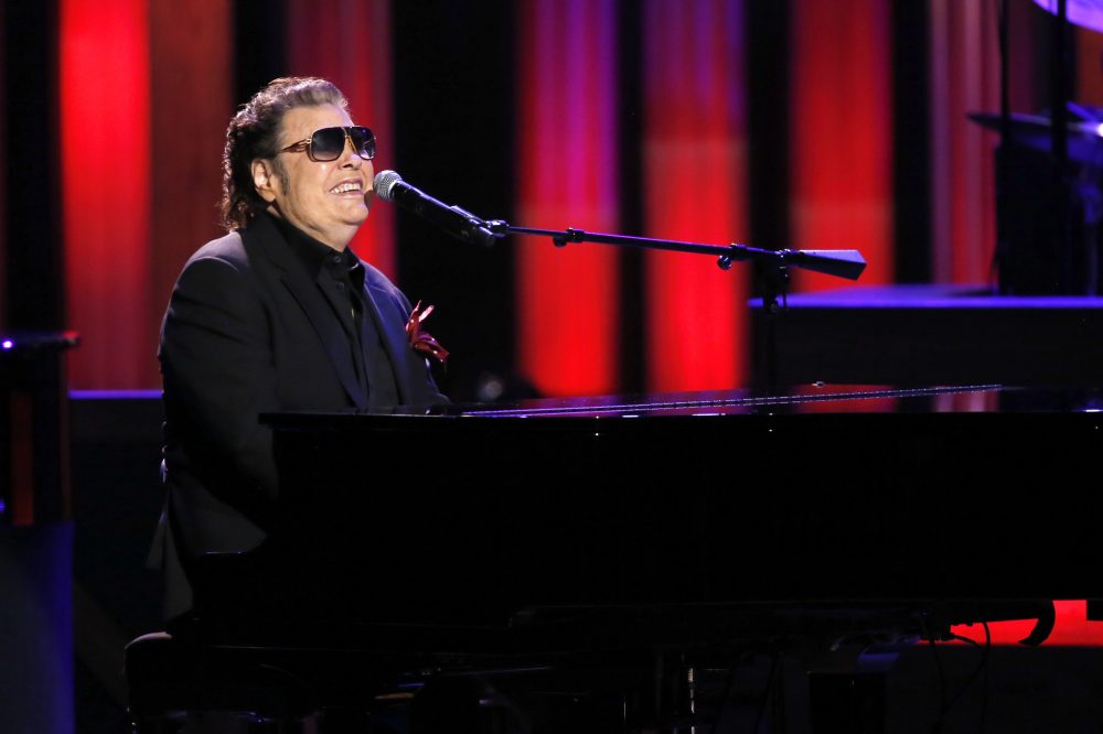 Ronnie Milsap Incorporates Crossover Gems on 'The Best of Ronnie Milsap'