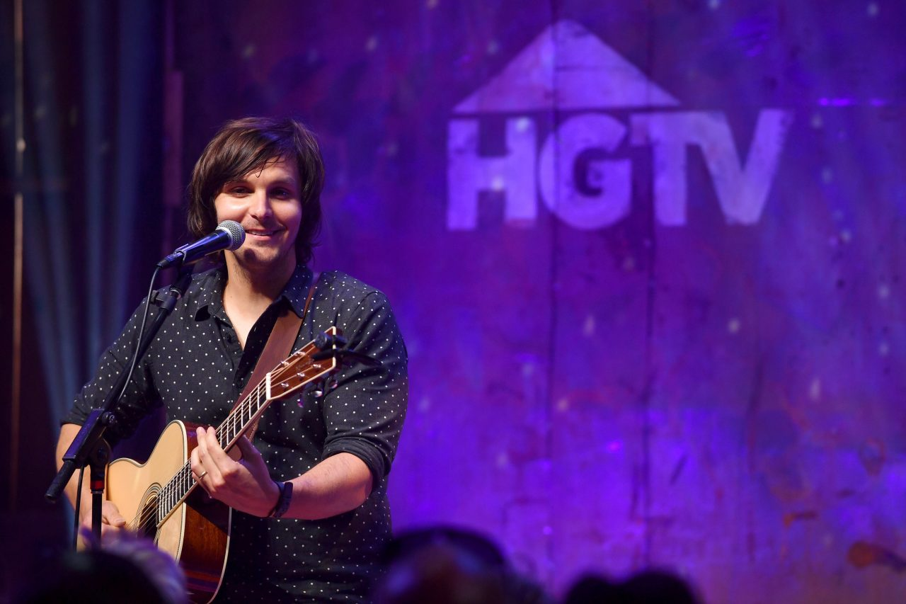 BobbyCast Recap: Bobby Bones Chats With Charlie Worsham About Call To Change Mississippi State Flag and More