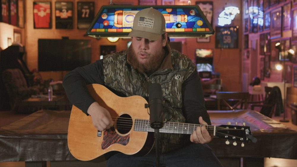 Luke Combs Honors Front Line Workers with 'Six Feet Apart' Performance