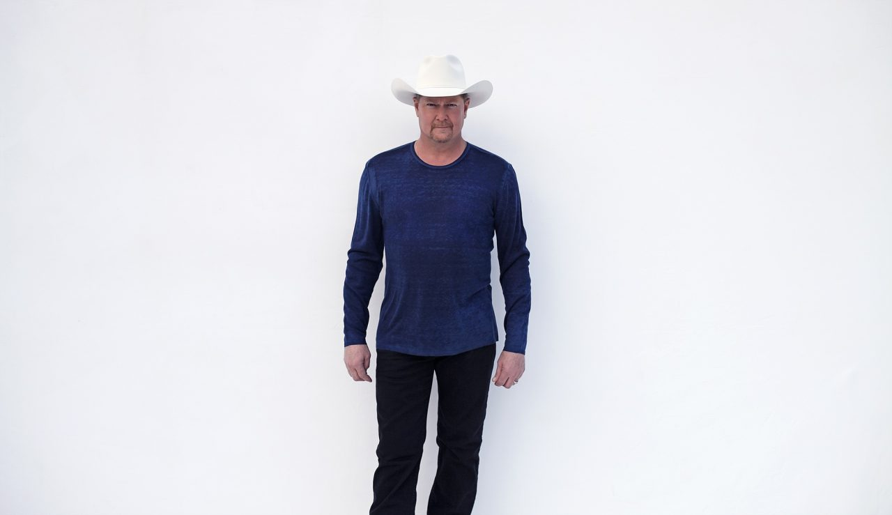 Tracy Lawrence Hosts 15th Annual Benefit for Nashville's Homeless