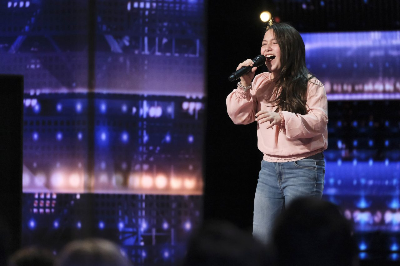 Young Girl Shocks America's Got Talent Judges With Rendition of 'Shallow'