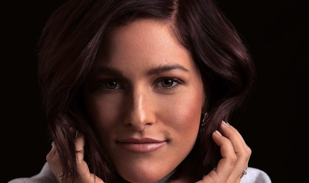 Cassadee Pope Builds New EP From The Ground Up