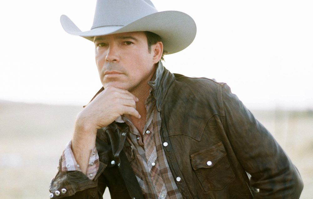 Clay Walker Talks Quarantine Parenting and Brand New Music