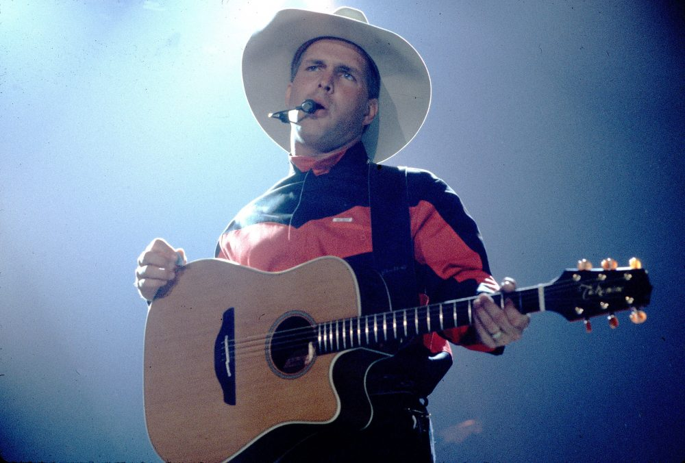 'The Dance' Songwriter Tony Arata Shares Story Behind the Garth Brooks Hit