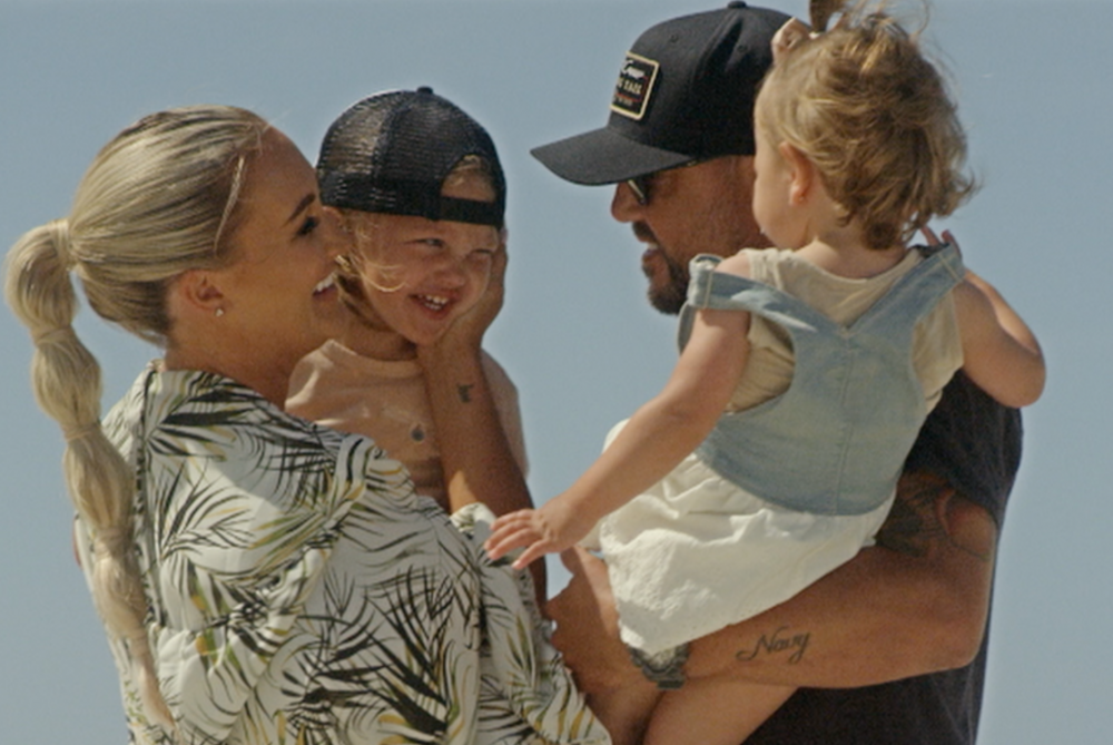 Jason Aldean Enjoys the Good Life in 'Got What I Got' Video