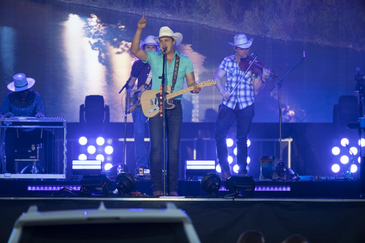 Jon Pardi Draws Thousands for Nashville's First Drive-In Show