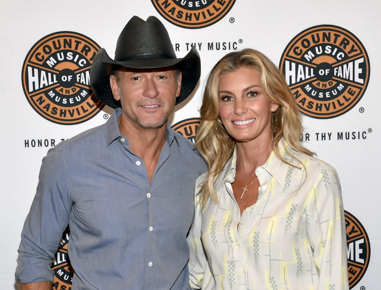 Pretty in Pink - Faith Hill Dyes Her Hair A Radiant Hue