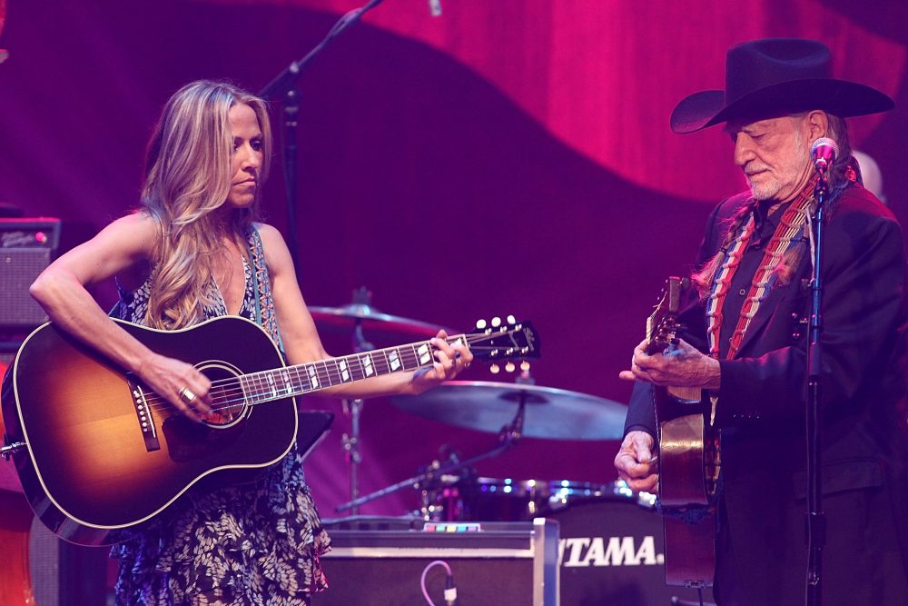 Sheryl Crow And Willie Nelson Drop Nostalgic Video For 'Lonely Alone'