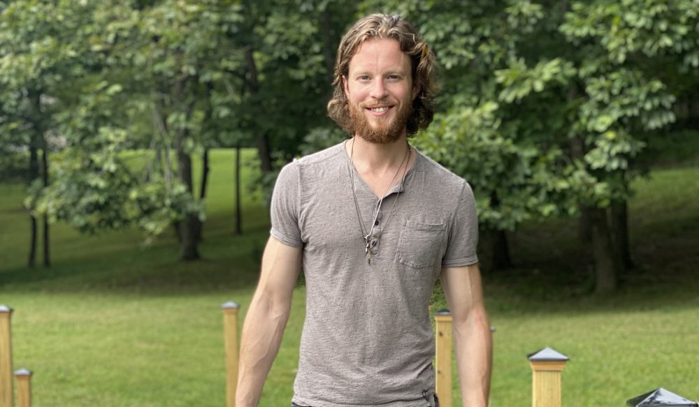 Home Free's Austin Brown Goes Solo for Grooving 'Earn It'