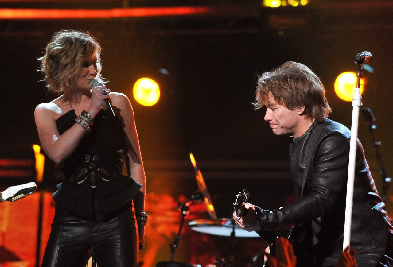 Jennifer Nettles Teams Up with Bon Jovi On 'Do What You Can'