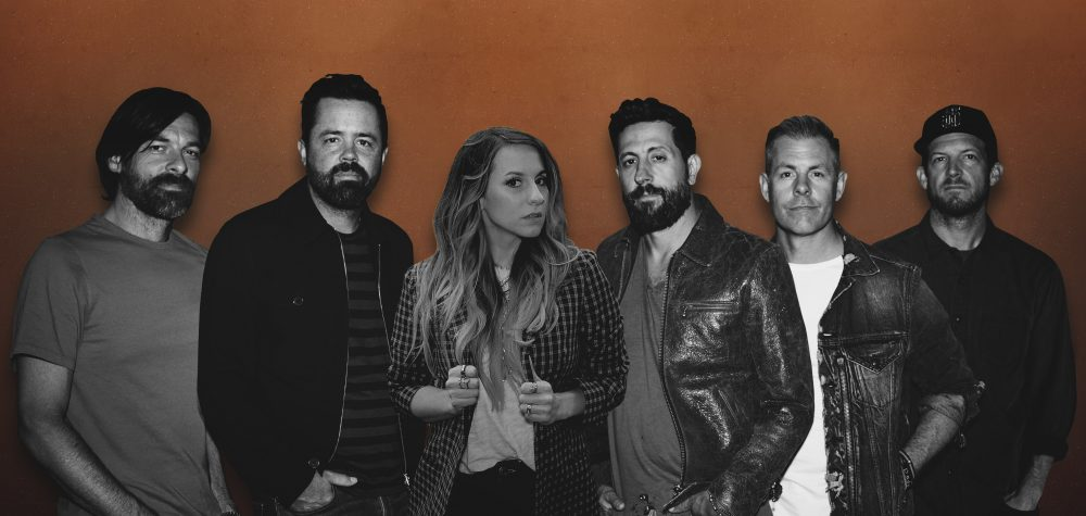 Caitlyn Smith and Old Dominion Tribute Music Venues in 'I Can't Video