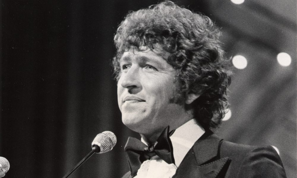 Iconic Singer Songwriter Mac Davis Dies After Heart Surgery
