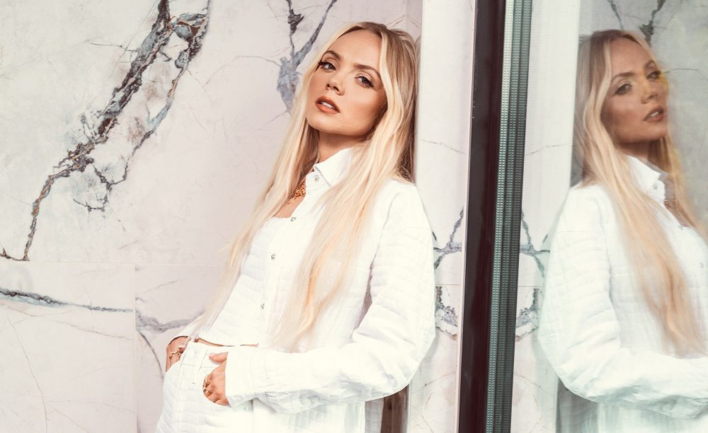 Danielle Bradbery and KURT Drop Spanish Version of 'Never Have I Ever'