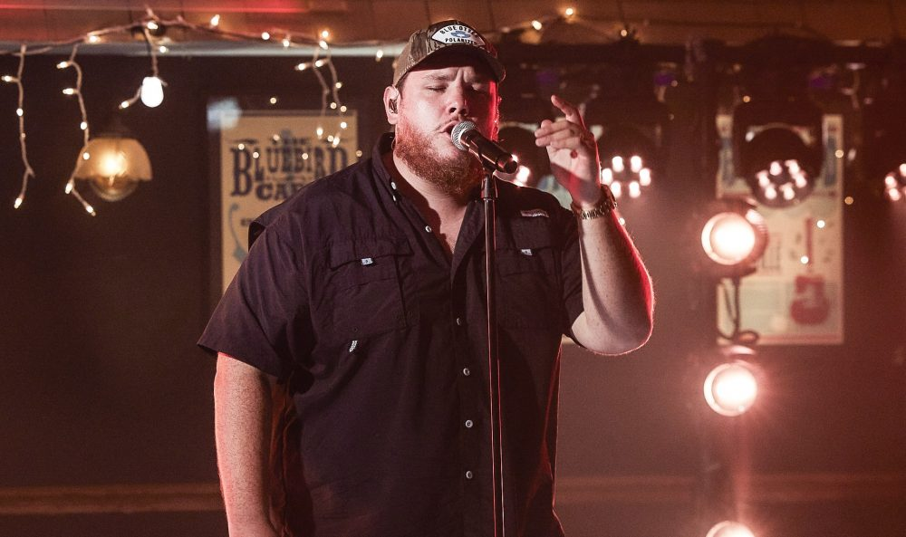 Luke Combs Performs Sentimental 'Better Together' On ACMs