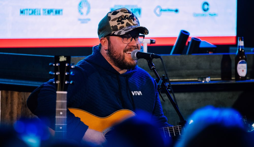 Mitchell Tenpenny Launches '10.10.20' Livestreams and Concerts