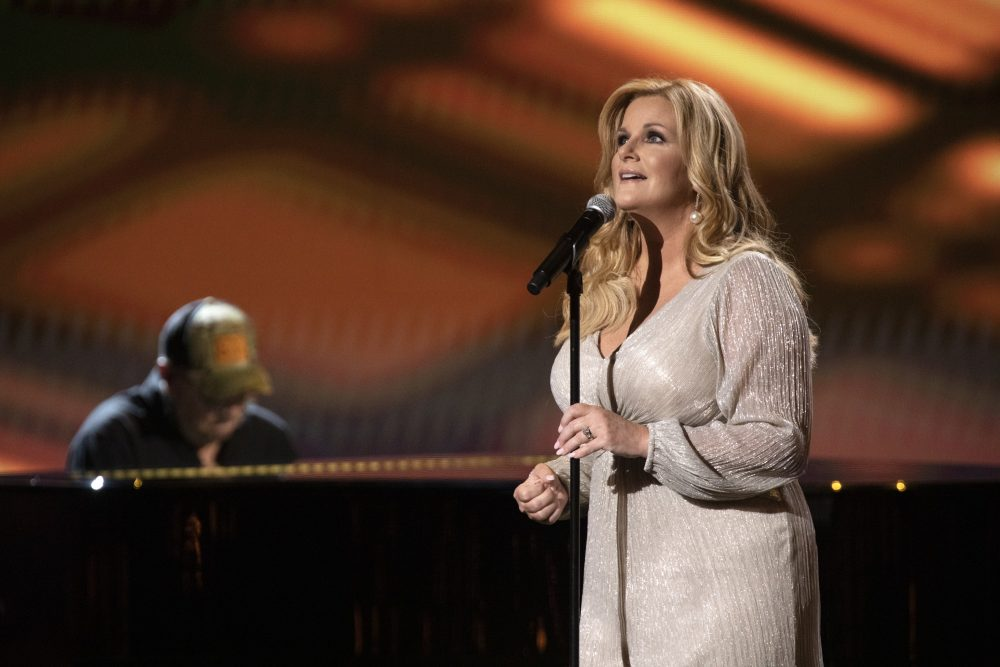 Trisha Yearwood Honors Late Figures of Country Music on ACM Awards