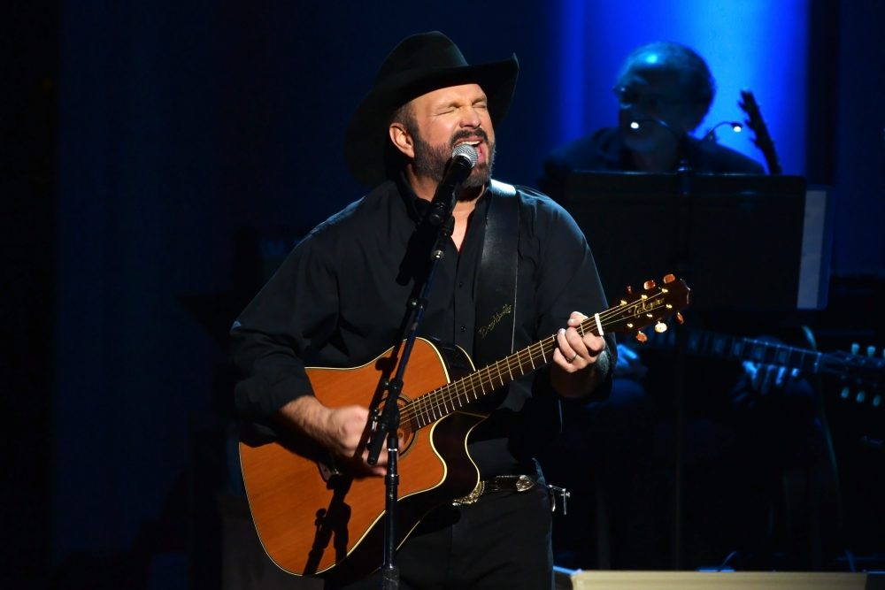 Garth Brooks Hints at Return of Alter Ego, Chris Gaines