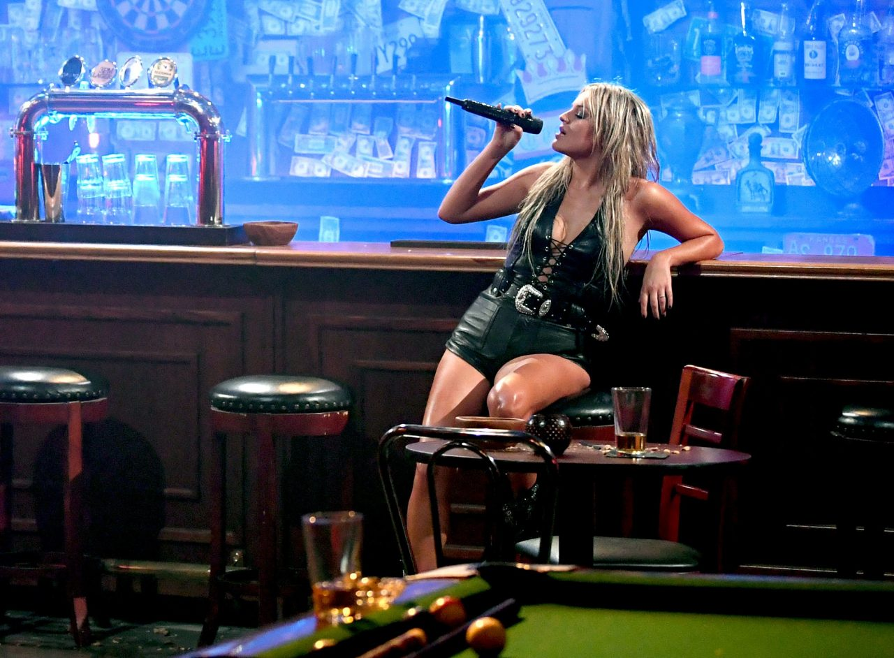 Kelsea Ballerini + Halsey Revive 'Coyote Ugly' on 2020 CMT Music Awards