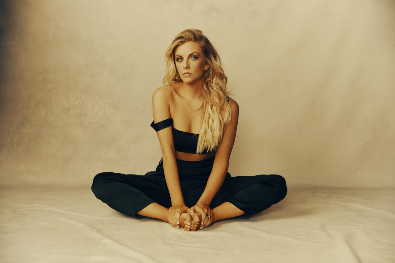 Lindsay Ell Finds Her Power in 'wAnt me back' Video