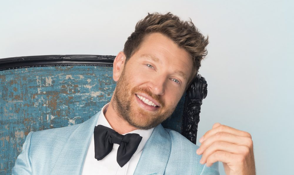 Brett Eldredge Helps Lift Holiday Spirits With #CarolForACause