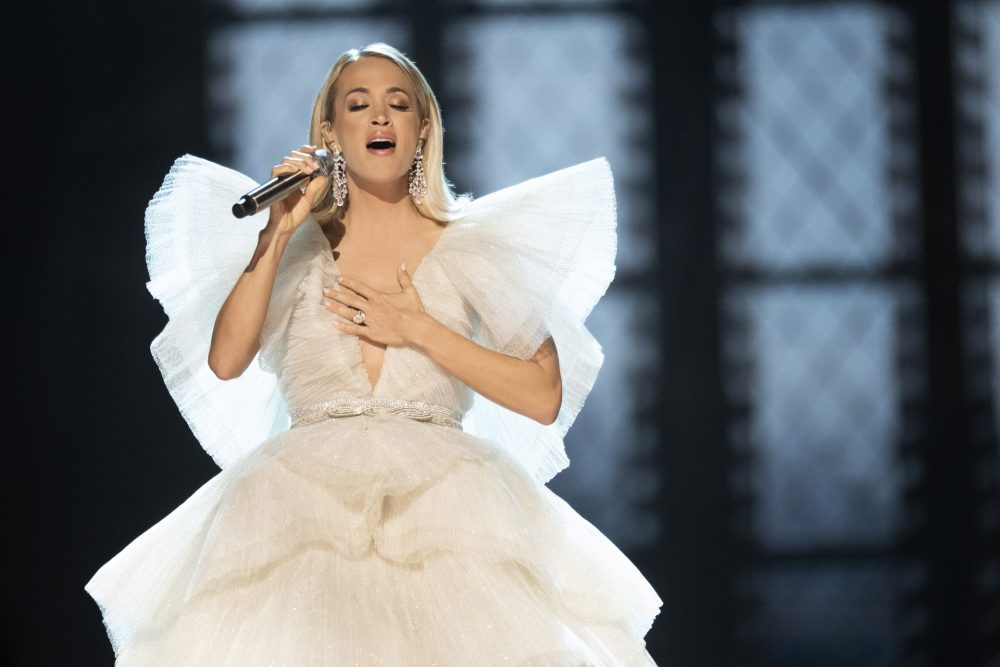 Carrie Underwood Strived For Familiarity On Christmas Album, 'My Gift'