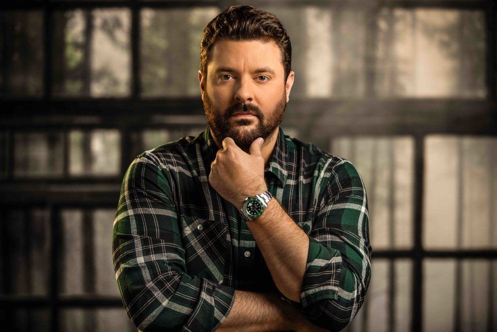 Chris Young Teams With Kane Brown for 'Famous Friends'